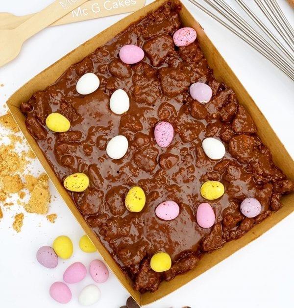 Cake mail Mini egg tray